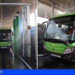 El Cabildo y Titsa sustituyen los trenes de lavado por máquinas más sostenibles
