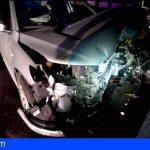 Tenerife | Rescatan un coche a punto de caer por un barranco en Los Campitos