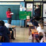La alcaldesa de Guía de Isora charló con el alumnado sobre el papel de la mujer en la política