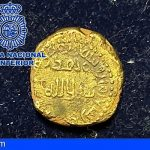 Recuperan en Alicante una moneda dinar de oro hispanomusulmana del año 716 o 717 procedente de un expolio
