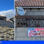 Vecinos de Montaña Pelada protestan con carteles en sus fachadas por los molestos ruidos del Puerto de Granadilla