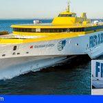 Fred. Olsen celebró el acto del bautizo del nuevo trimarán Bajamar Express
