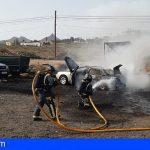 Arona | Extinguen un incendio en un vehículo en La Camella