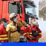 El incendio en Arico continúa activo en una superficie aproximada de 1.500 hectáreas