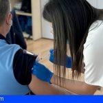 Canarias reanuda esta semana la vacunación de policías locales y docentes tras el avance de los mayores de 60