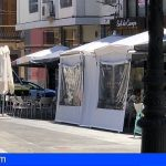 Exigen al Ayuntamiento de Sta. Cruz que retire las terrazas «que ocupan aceras y plazas sin informe previo y contrarias a la Ley de Accesibilidad»