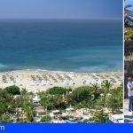 La playa del Duque en Adeje vuelve a lucir su bandera azul