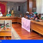 San Miguel recibe al Tour de la Ilusión y muestra su apoyo para concienciar sobre el cáncer de mama