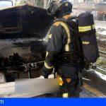 Extinguen tres incendios en vehículos, uno en El Retamar, Santiago del Teide