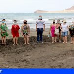 Granadilla | El servicio de rehabilitación fisioterapéutico en el mar beneficia a una treintena de personas