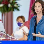 Arranca la Universidad de Verano de Adeje con un alegato sobre el optimismo y las emociones de Elsa Punset