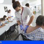 El Cabildo de Tenerife comienza a vacunar con la tercera dosis a mayores de sus centros residenciales